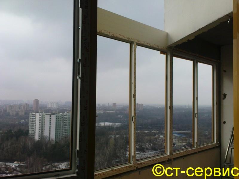 Балконы и окна в процессе монтажа.